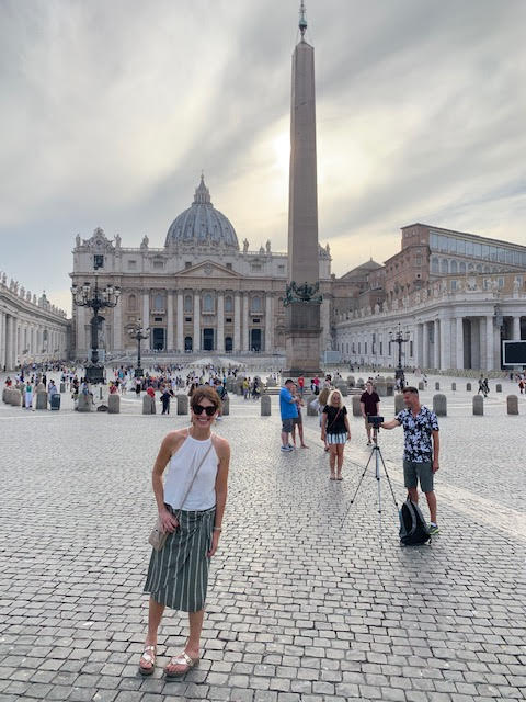 vatican city travel outfit