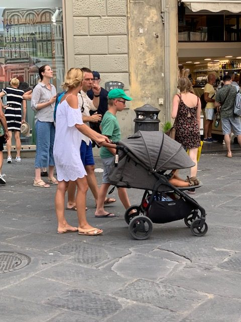 italy fashion trends mom style