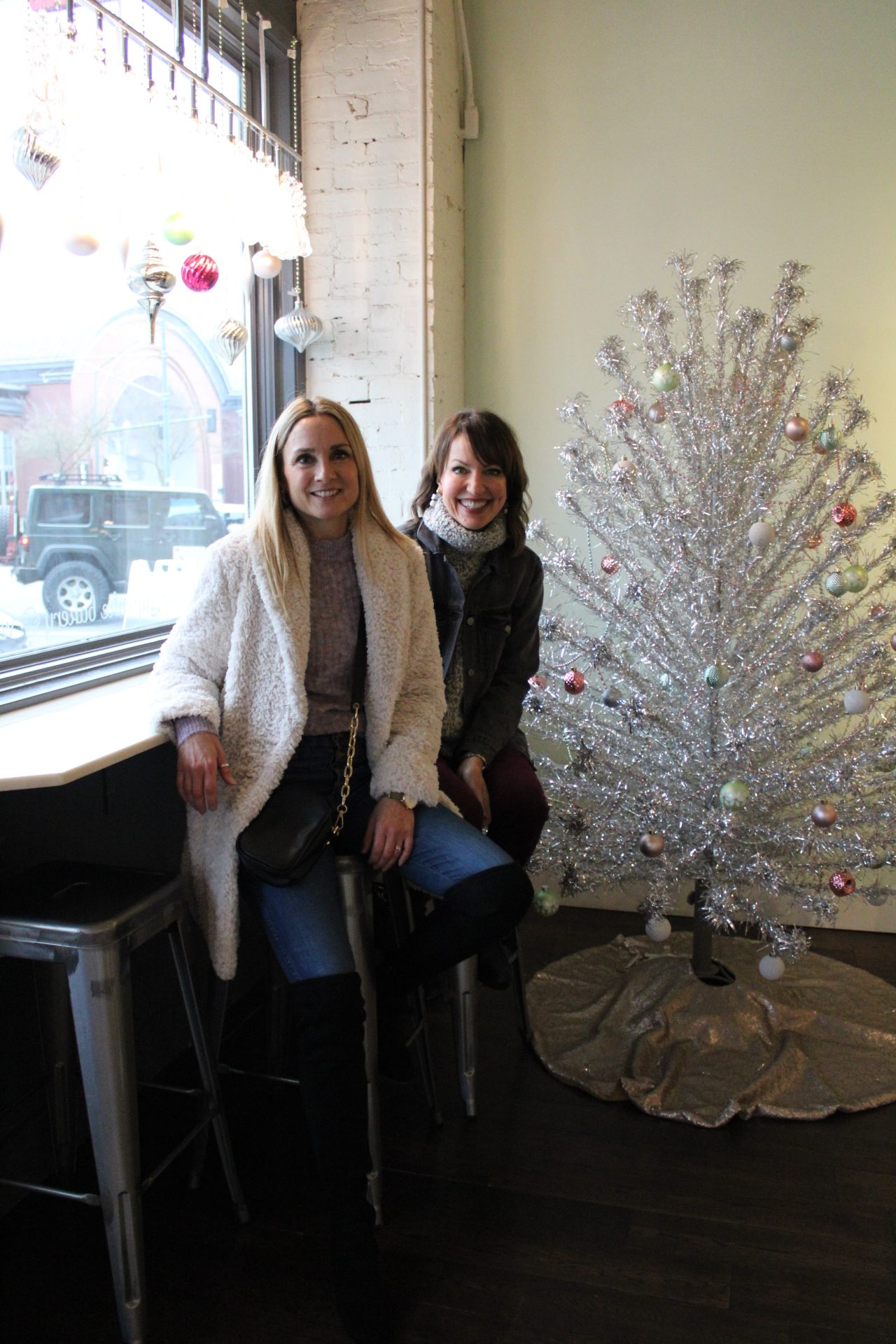 girlfriend outing, festive outing, cupcake shop, places to go in seattle