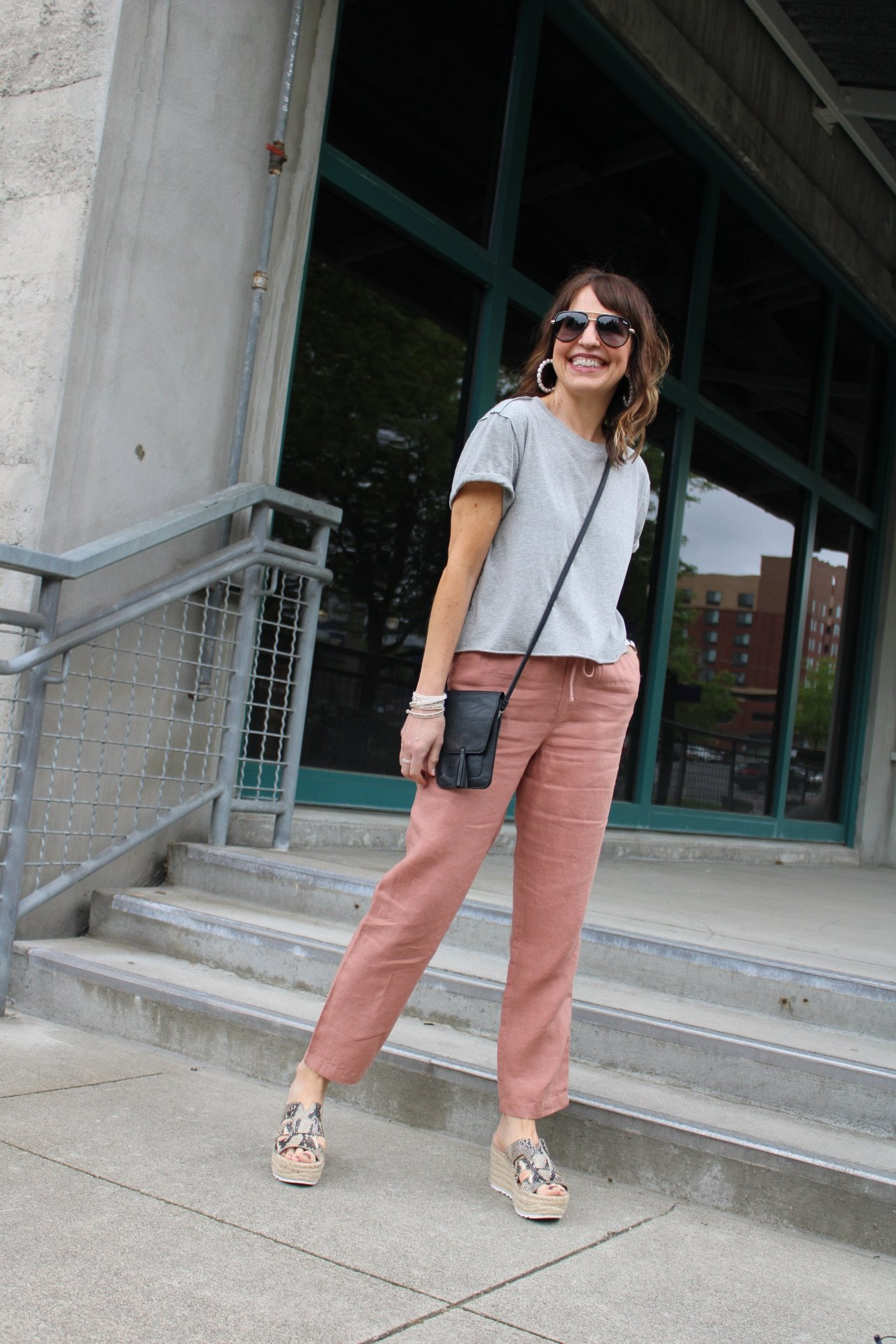 gray crop tee with linen pants summer outfit