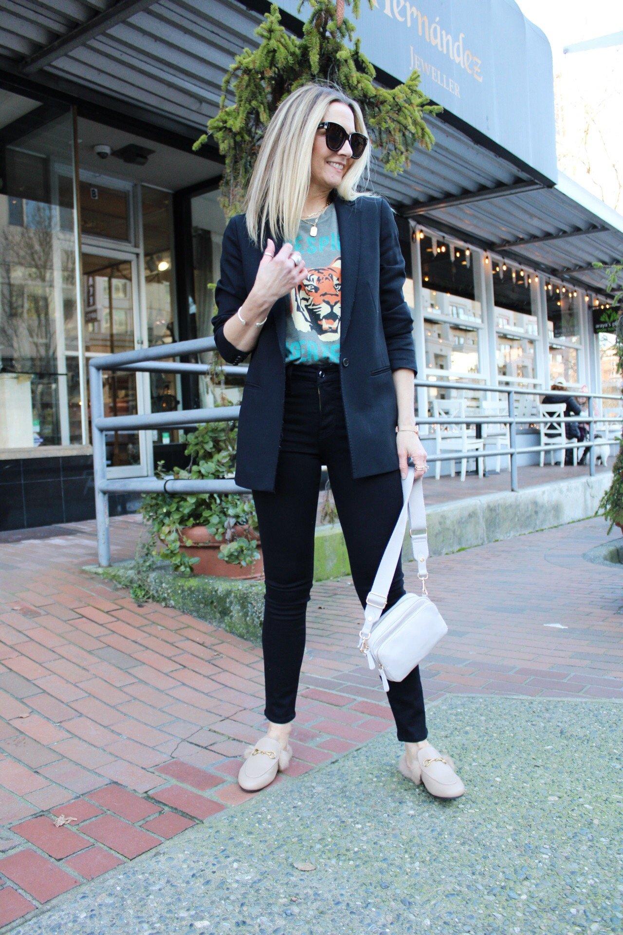 black blazer graphic tee black skinny jeans