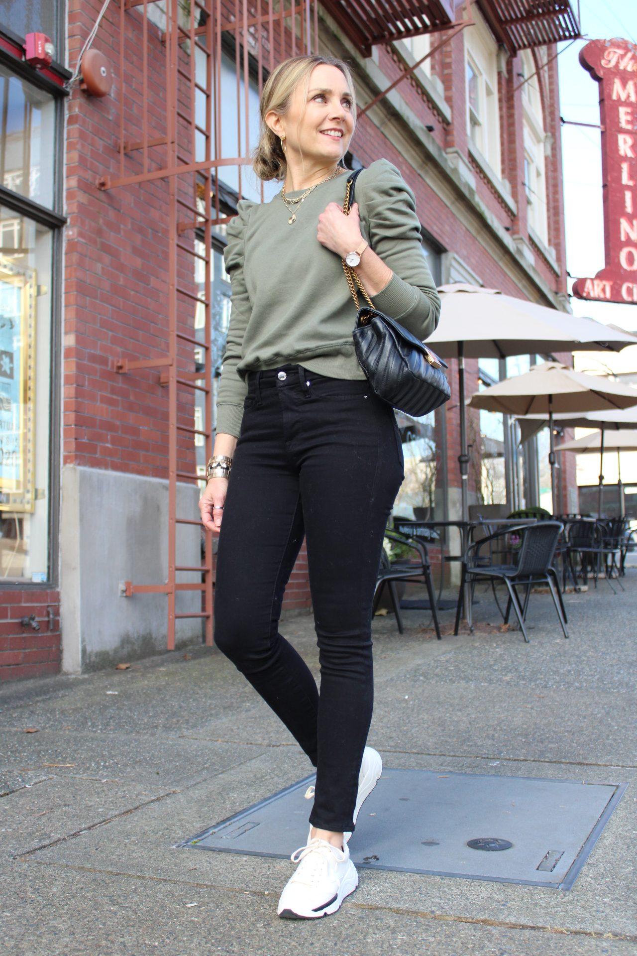 puff sleeve sweatshirt black jeans sneakers