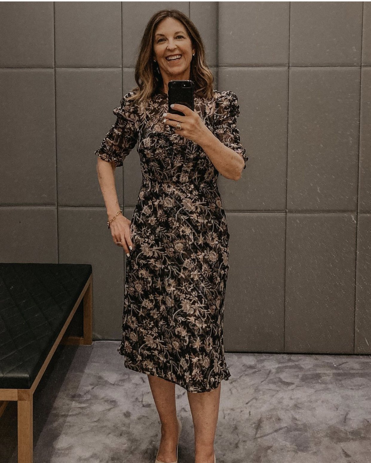 mirror selfie floral dress